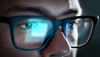Glasses with blue light filter, our opinion ?